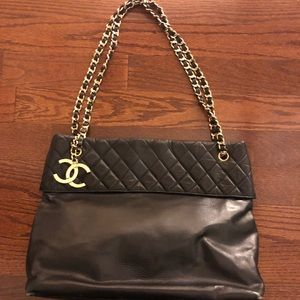 Chanel black lambskin shoulder bag